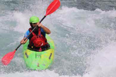 kayak adulte dans les alpes